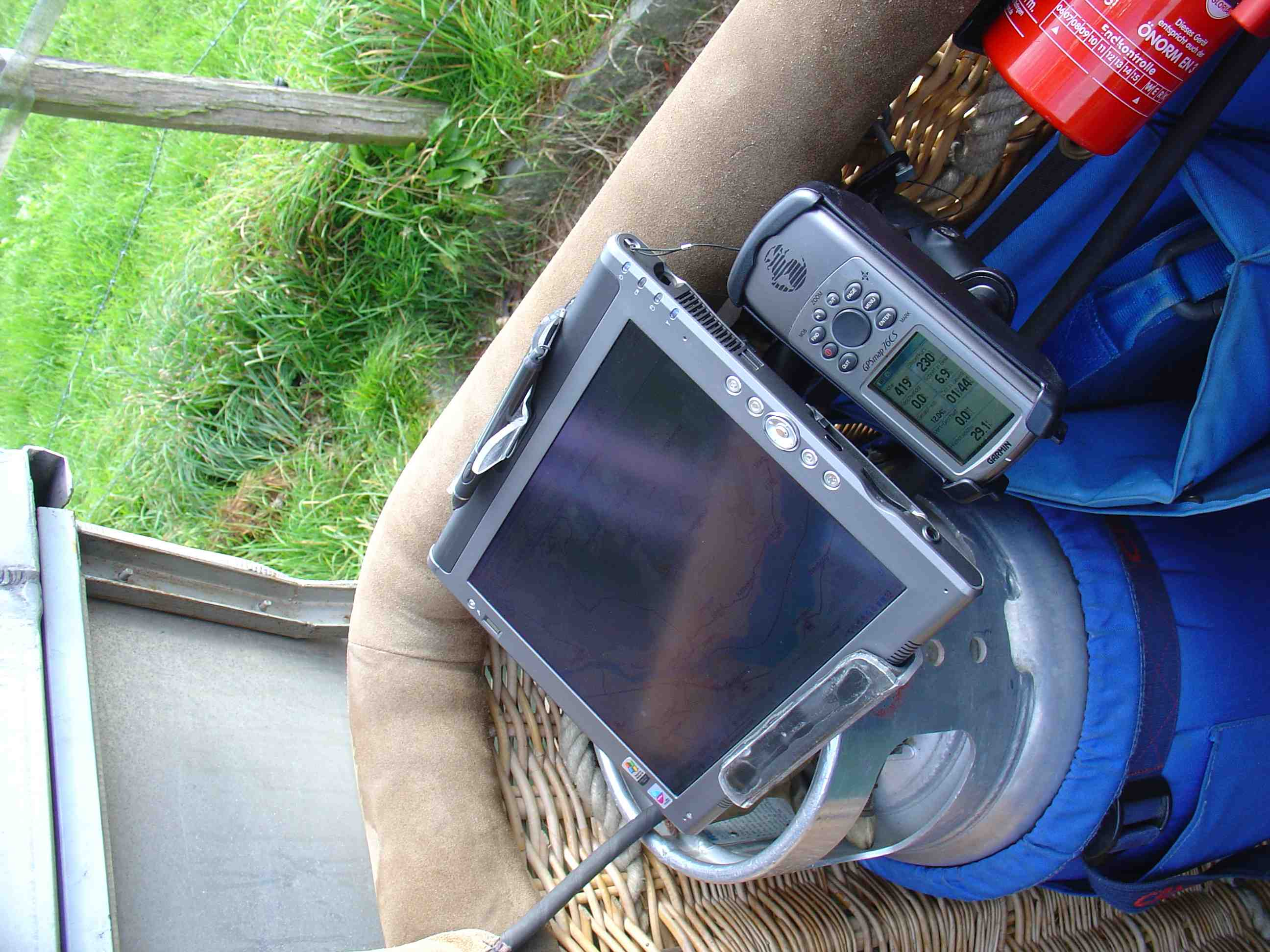 Aviation Gps And Mount Photos Articles Lifeproof Ipad Air Fre Case 1907 02 Glacier Full Installation From The Side